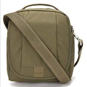 Pacsafe Metrosafe LS200 Anti Theft Shoulder Bag